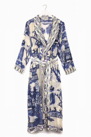 Giant Willow Gown – One Hundred Stars